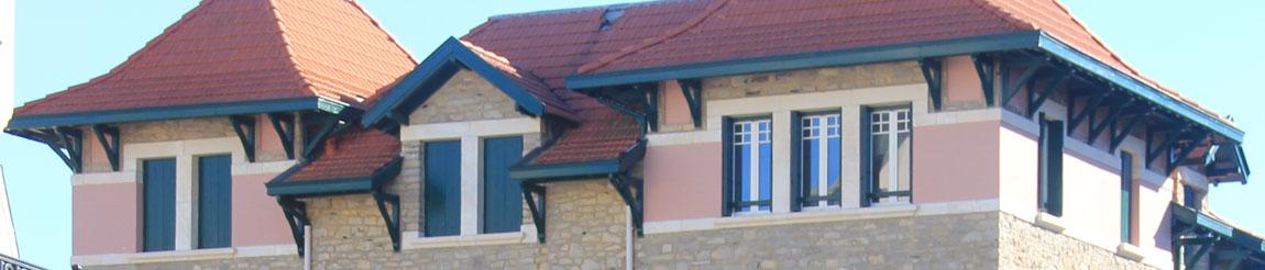 Illustration représentant un bâtiment de l'article du blog Démocratie Quotidienne sur le logement à Biarritz selon le candidat Brice Morine représenté par Lysiann Brao